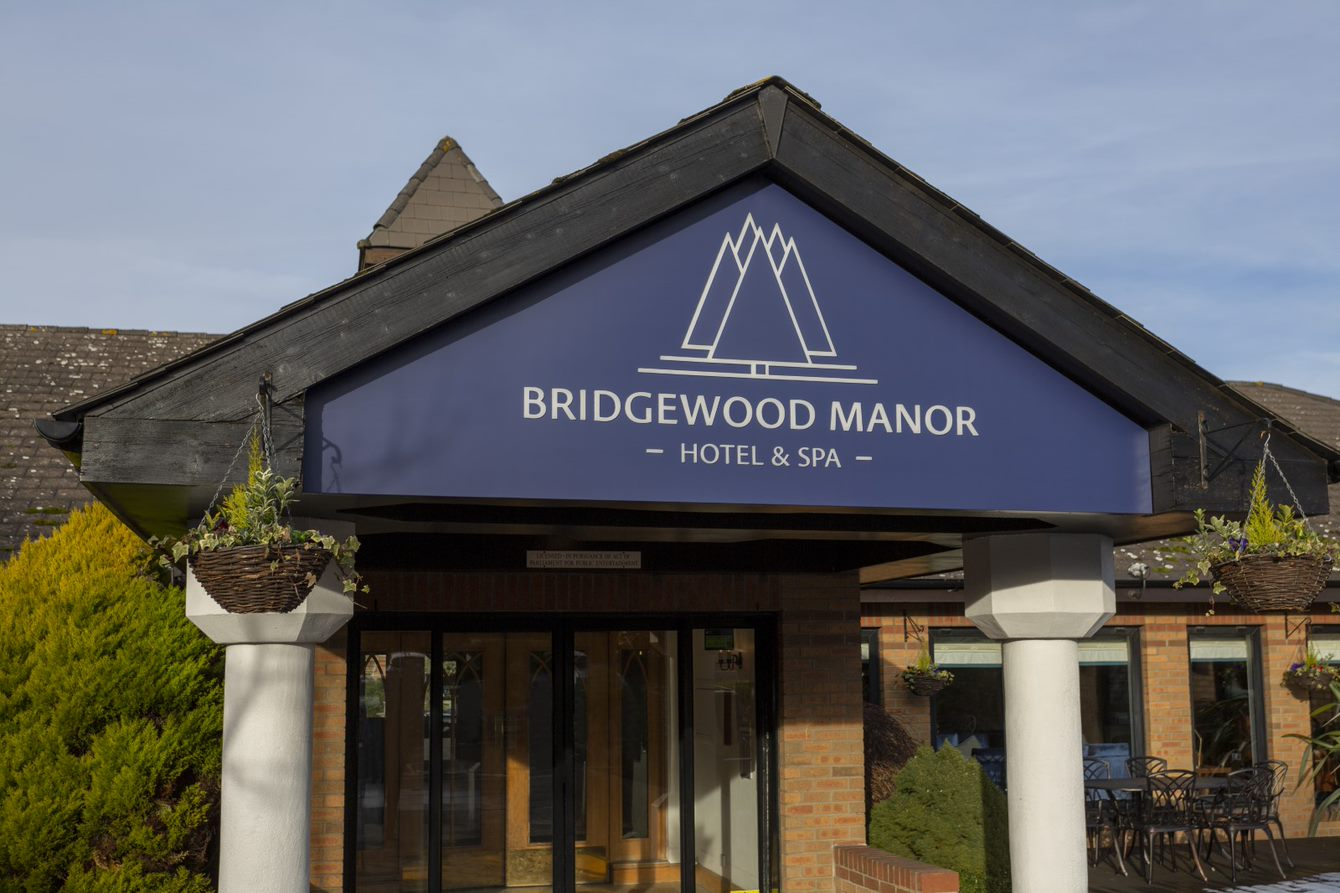 Bridgewood Manor Hotel